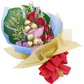 Flowers With Ferrero Rocher Hand Bouquet